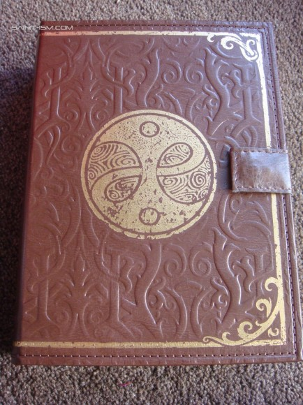 fable_3_collectors_edition_book_front-434x580.jpg
